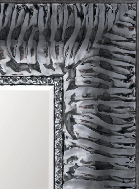 Настенное зеркало в деревянной раме Темно-серый глянец