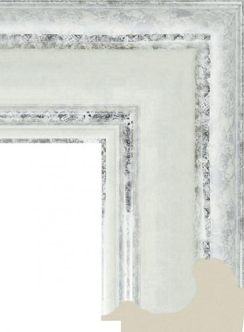 Зеркало в ванную комнату в пластиковой раме Велина