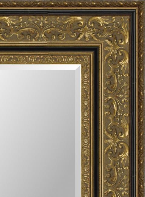 Настенное зеркало в деревянной раме Борис